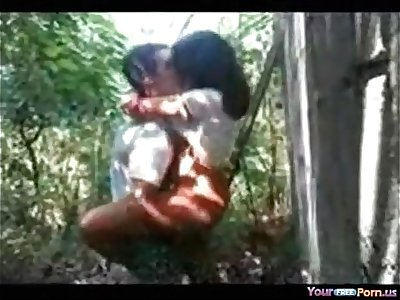 Desi girl fucked in jungle